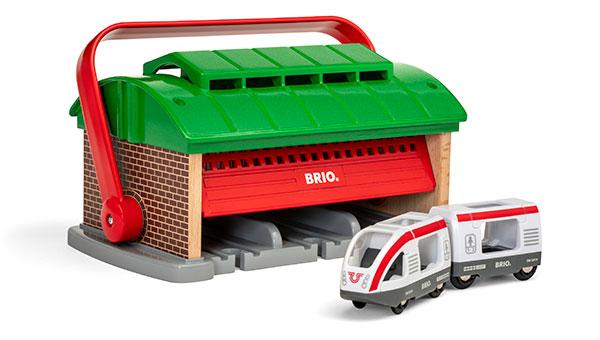 BRIO(ブリオ)ハンドル付き列車車庫