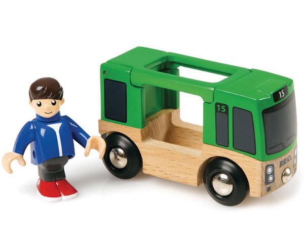 BRIO(ブリオ)バスと乗客