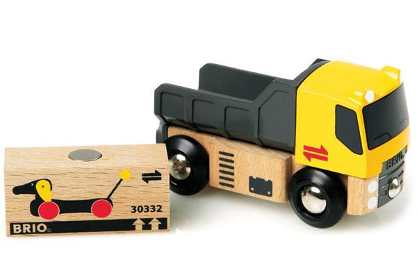 BRIO(ブリオ)貨物トラック