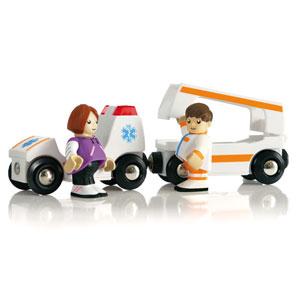 BRIO(ブリオ)新ライト&サウンド付救急車